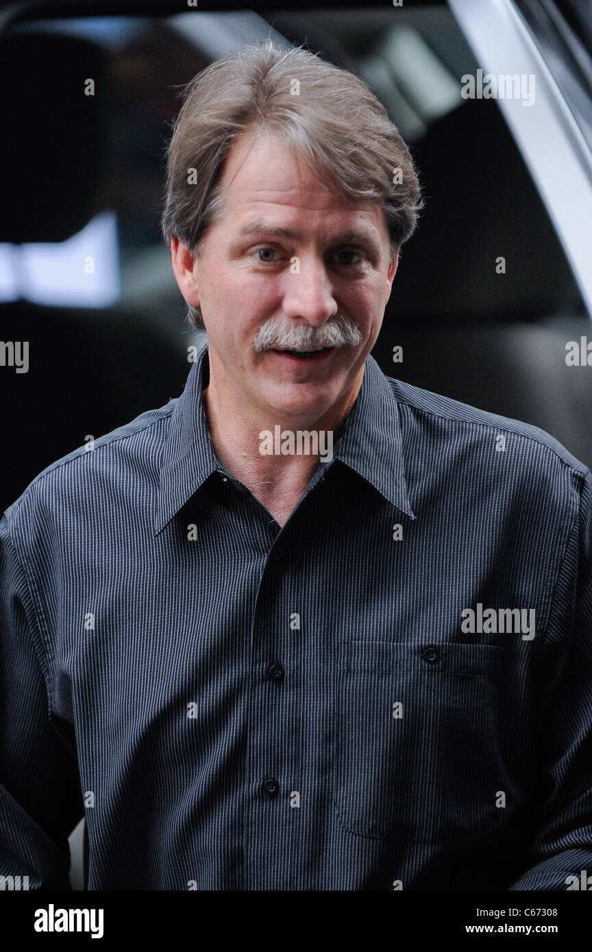 Jeff Foxworthy, enters the Ziegfeld Theatre at the premiere of THE SMURFS, out and about for CELEBRITY CANDIDS  - Stock Image