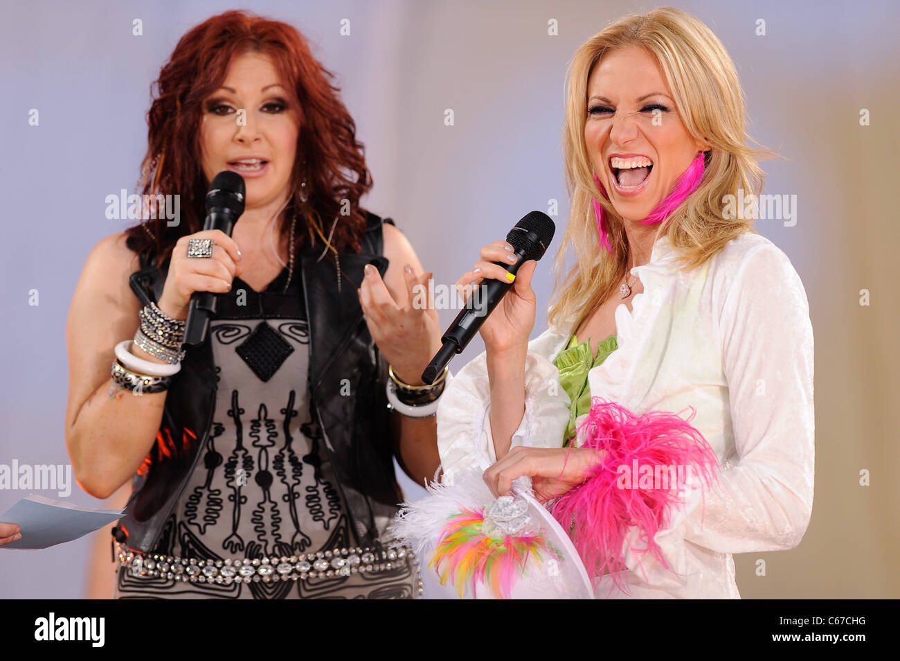 Tiffany, Debbie Gibson, perform on 'Good Morning America' at Rumsey Playfield, Central Park out and about - Stock Image