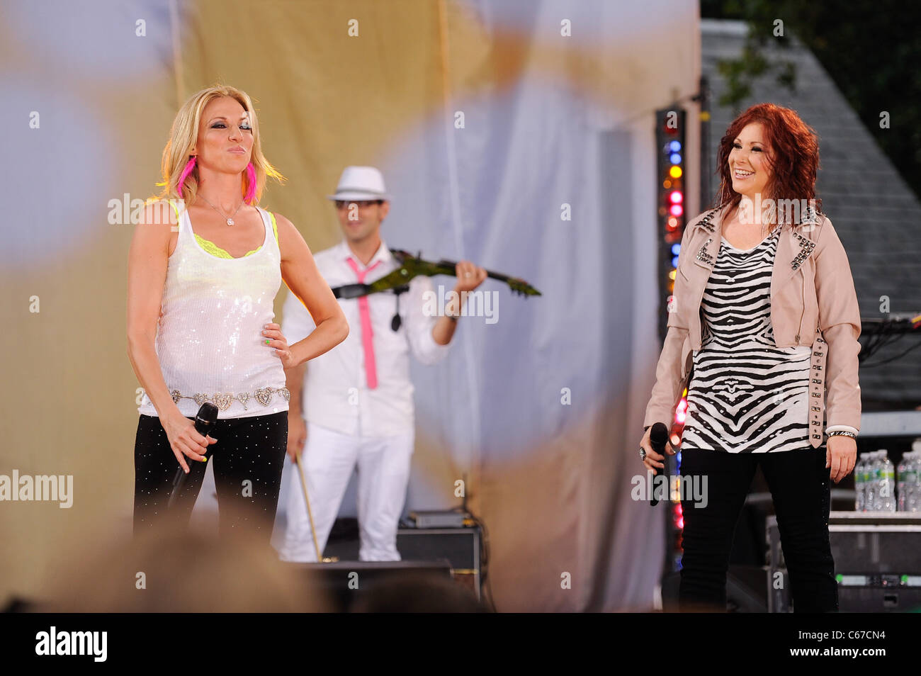 Debbie Gibson, Tiffany, perform on 'Good Morning America' at Rumsey Playfield, Central Park out and about - Stock Image
