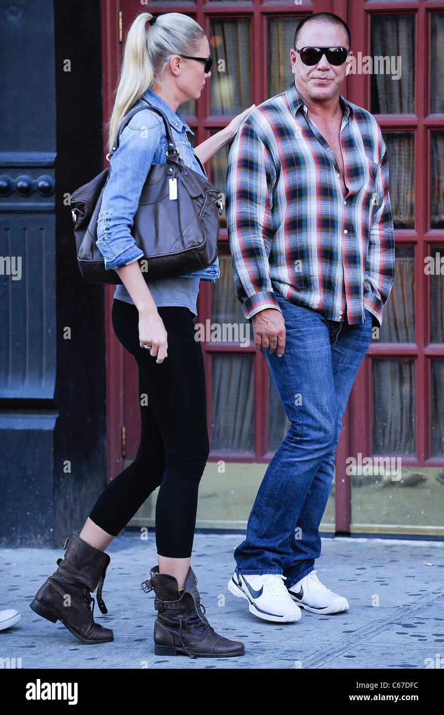 Anastassija Makarenko Mickey Rourke Walk In The Meatpacking Stock Photo Alamy Mickey rourke is gearing up for the holidays with his longtime love. https www alamy com stock photo anastassija makarenko mickey rourke walk in the meatpacking district 38272960 html