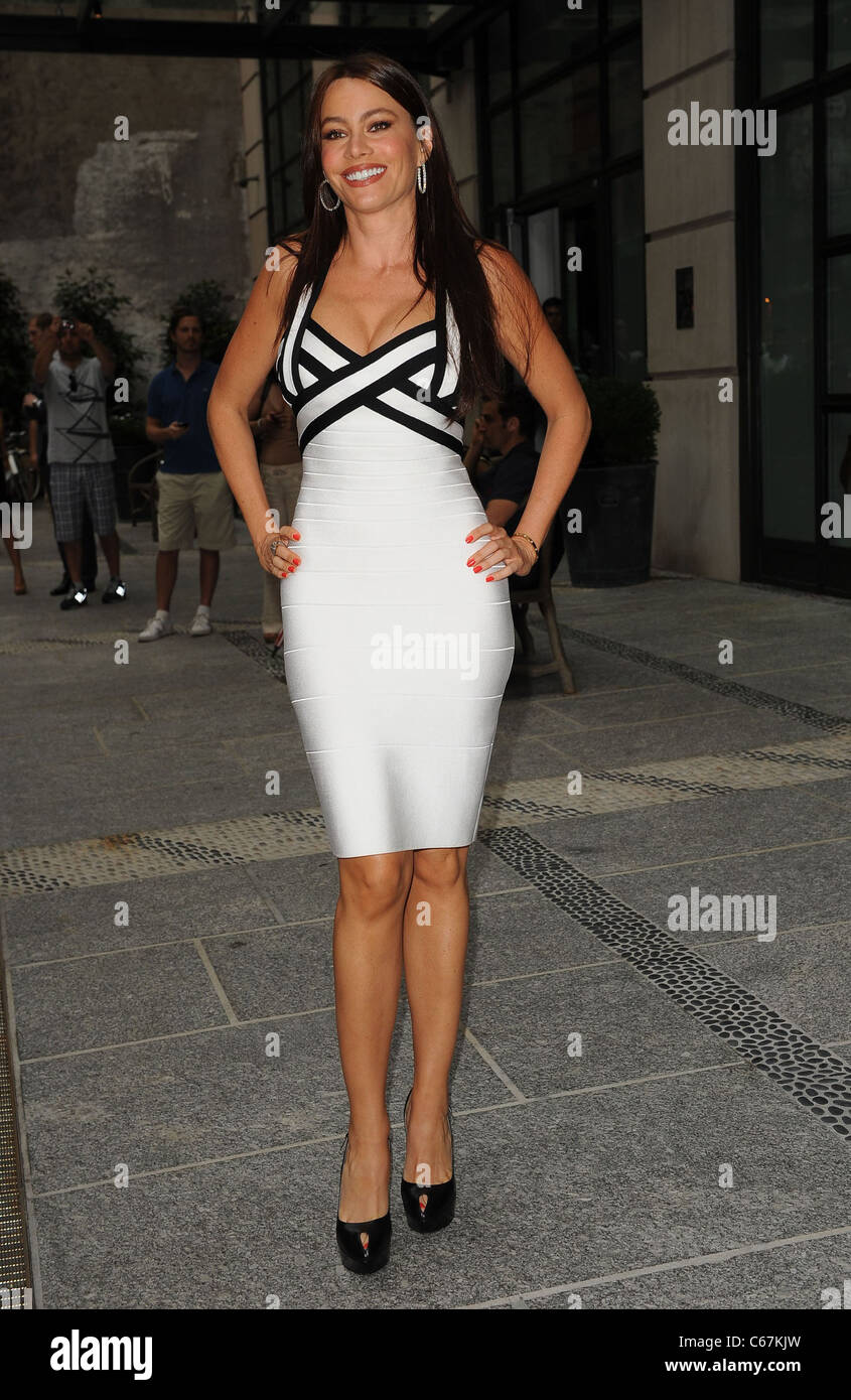 41bc8617a2ccaf Sofia Vergara (wearing a Herve Leger dress) at arrivals for The Cinema  Society and