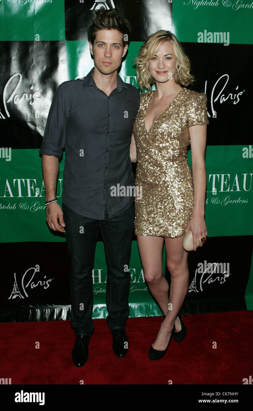 Tim Loden Yvonne Strahovski In Attendance For Pamela Anderson 44th Stock Photo Alamy Yvonne has been hooked with several men of the industry. https www alamy com stock photo tim loden yvonne strahovski in attendance for pamela anderson 44th 38279303 html