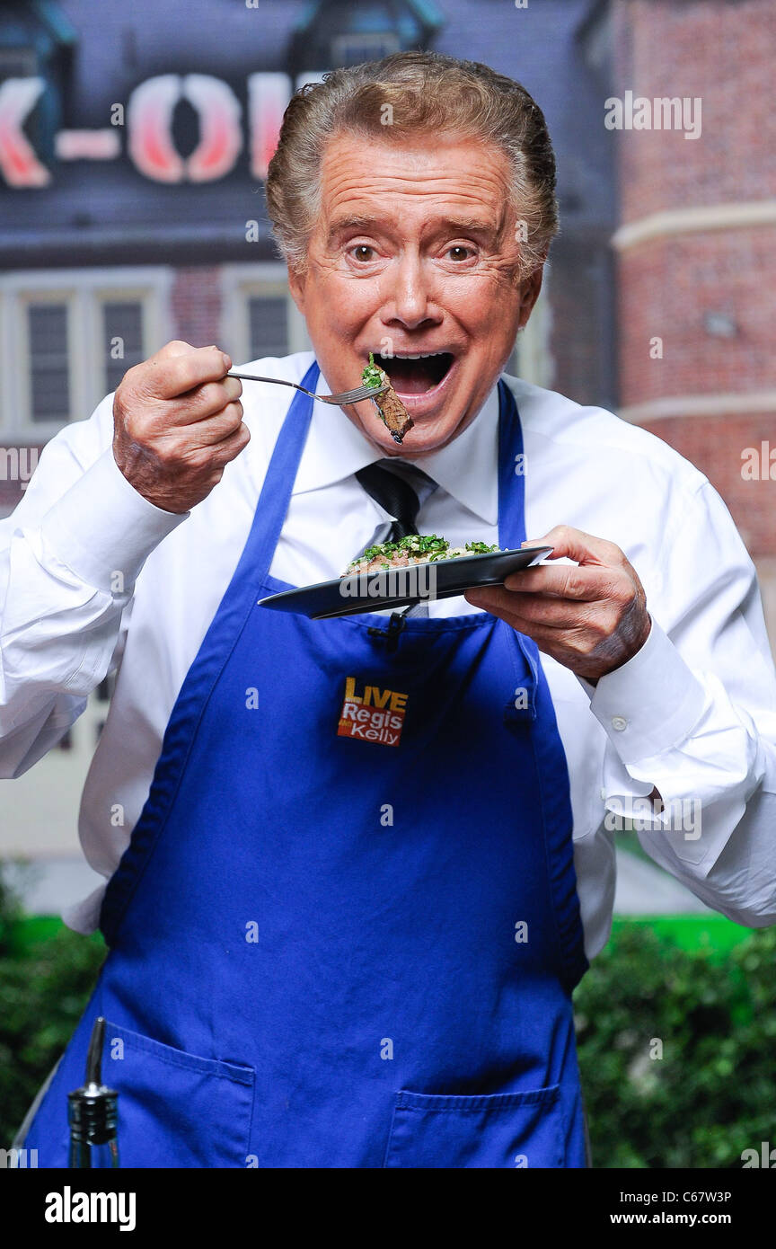 Regis Philbin, hosts 'Live With Regis And Kelly' taping out and about for CELEBRITY CANDIDS - THURSDAY, - Stock Image