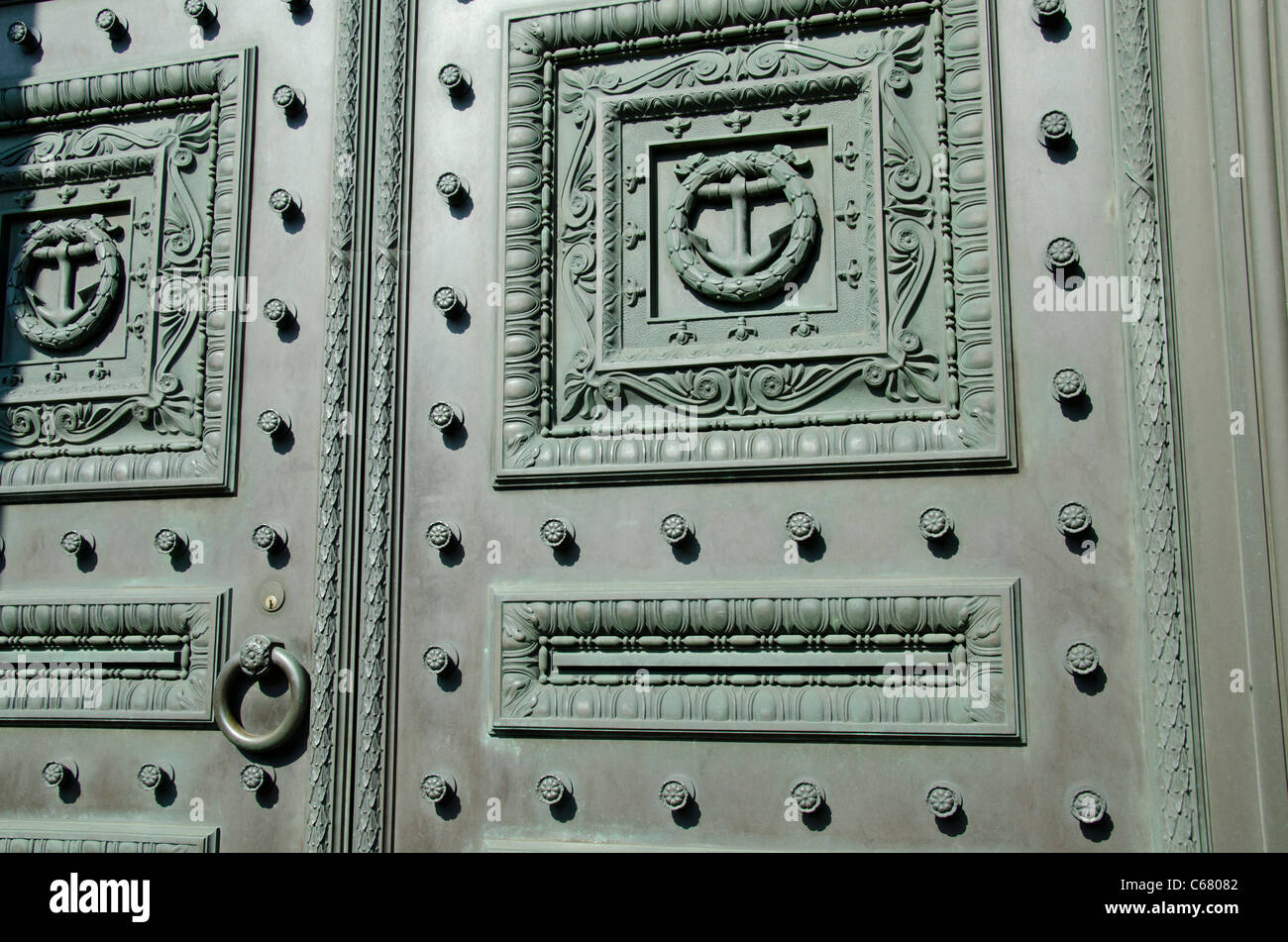 Rhode Island, Providence. The Old Stone Bank, c. 1819. Detail of metal doors with anchor. - Stock Image