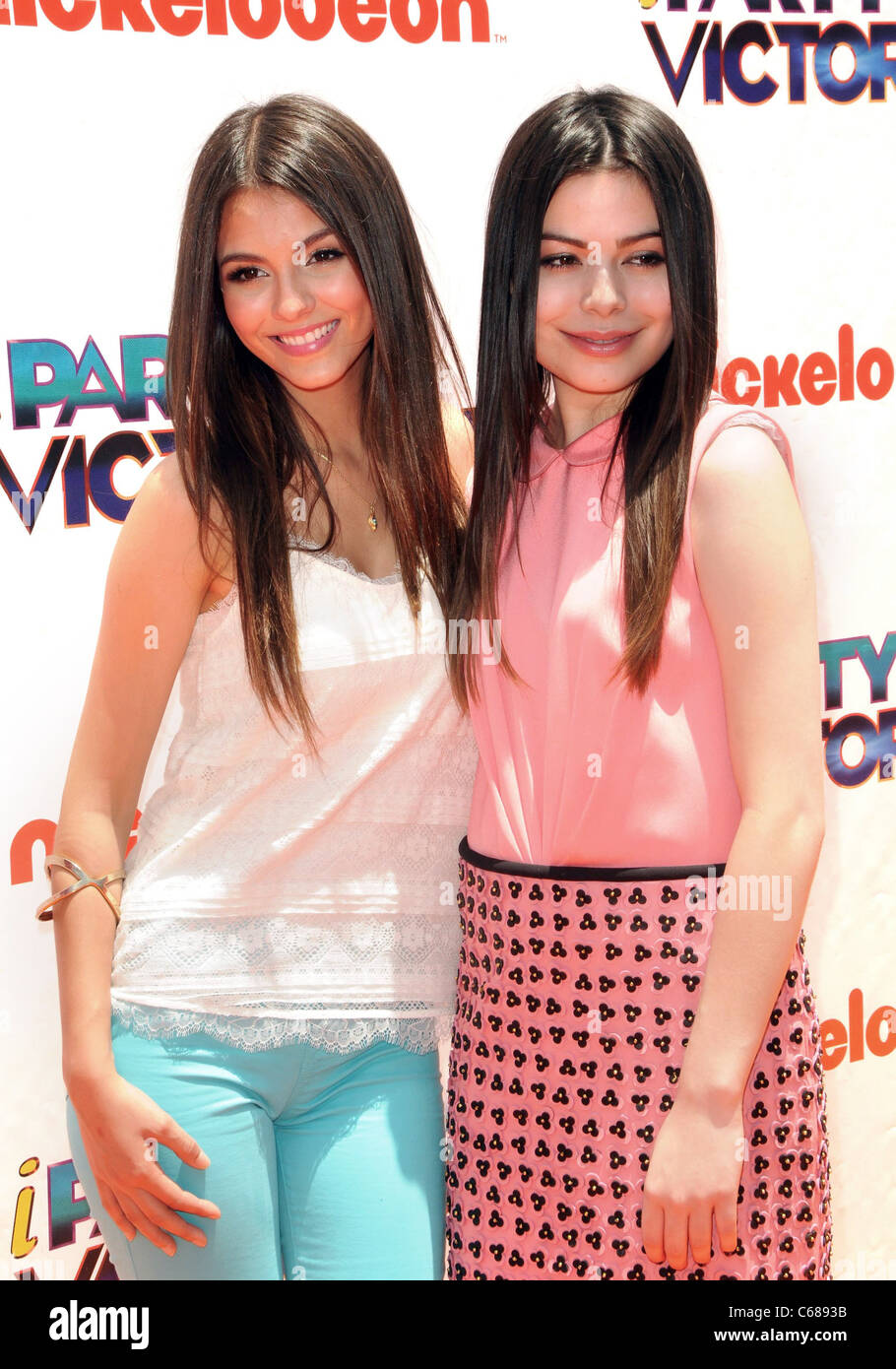 Victoria Justice, Miranda Cosgrove at arrivals for iParty With Victorious Premiere Party, The Lot, Los Angeles, - Stock Image