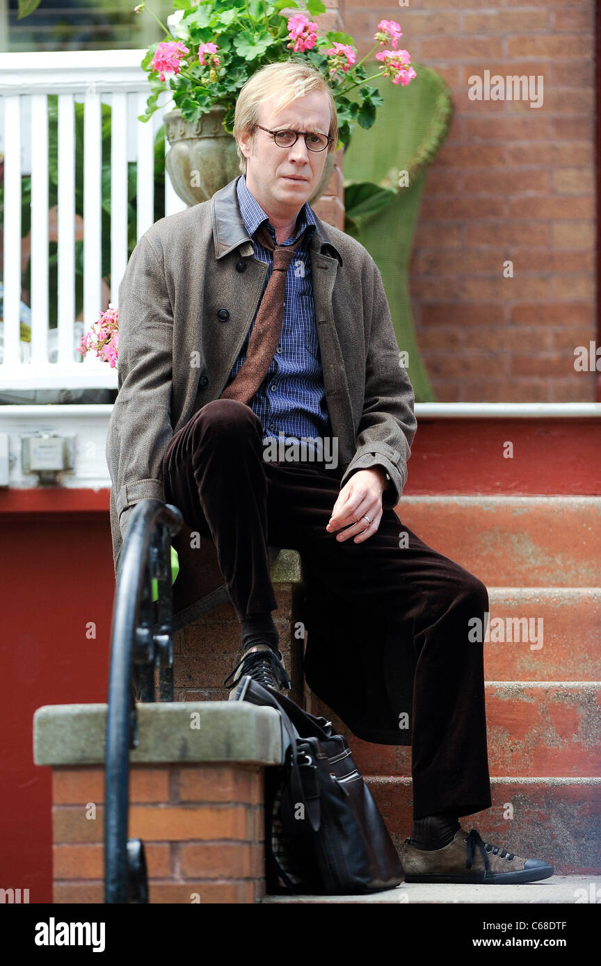 Rhys Ifans, films a scene at the AMAZING SPIDER-MAN movie set in Windsor Terrace out and about for CELEBRITY CANDIDS - Stock Image