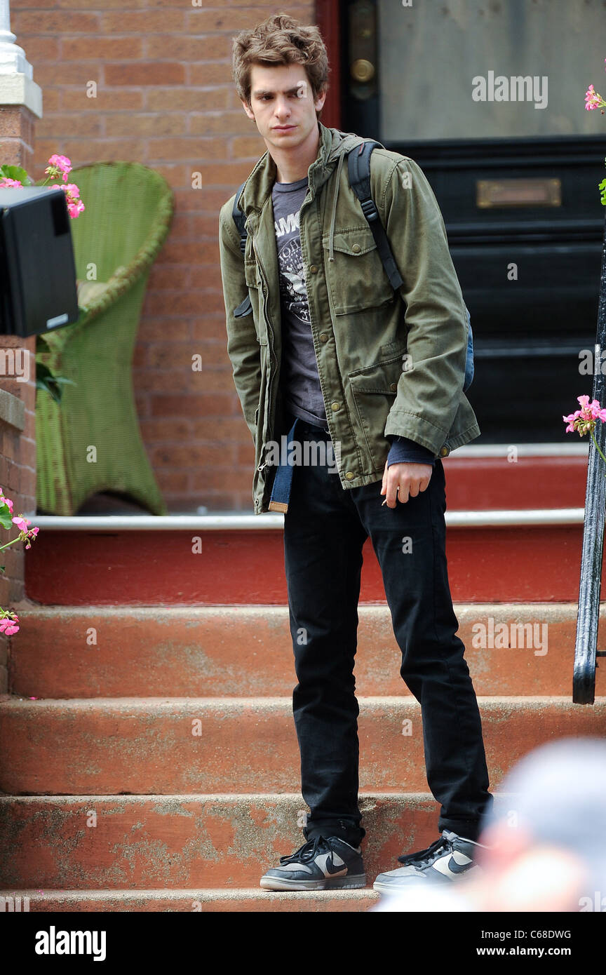 Andrew Garfield, films a scene at the AMAZING SPIDER-MAN movie set in Windsor Terrace out and about for CELEBRITY - Stock Image