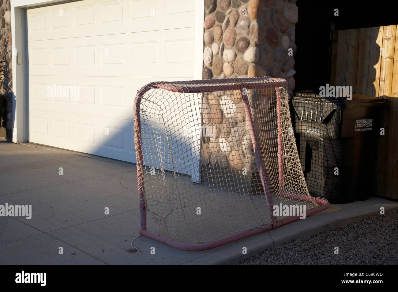 Hockey Net Stock Photos & Hockey Net Stock Images - Alamy