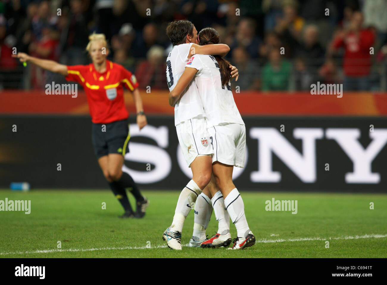 Abby Wambach (l) and Alex Morgan (r) celebrate after Morgan's goal against Japan in the 2011 Women's World - Stock Image