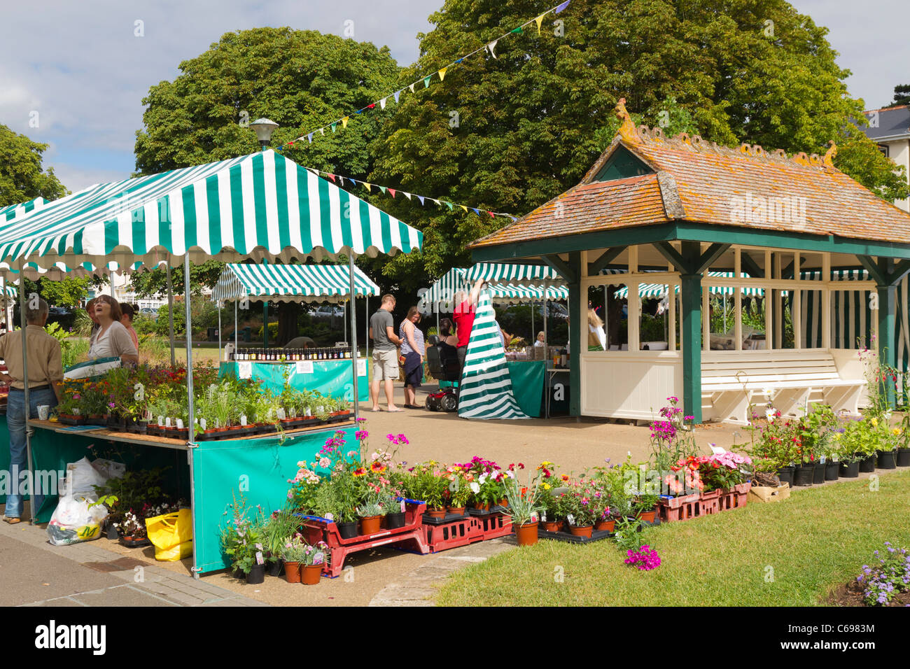 Tourist market in the centre of Dawlish - Stock Image