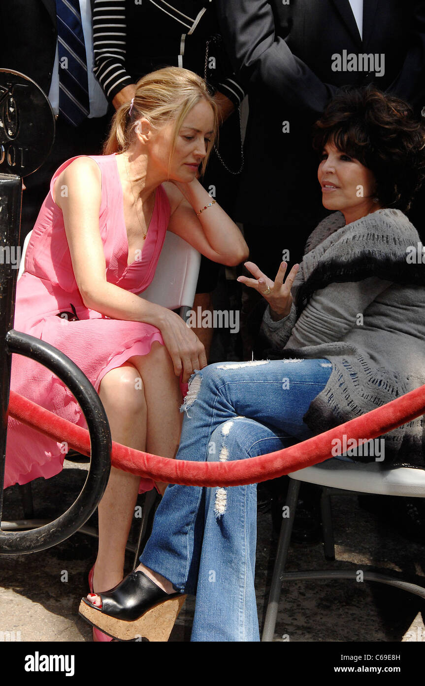 Sharon Stone, Carol Bayer Sager at the induction ceremony for Star on the Hollywood Walk of Fame Ceremony for Jane - Stock Image