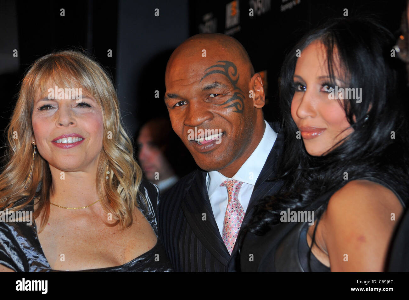 Marjorie Kaplan, Lakiha Spicer, Mike Tyson at arrivals for TAKING ON TYSON Series Premiere on Animal Planet, Hotel - Stock Image