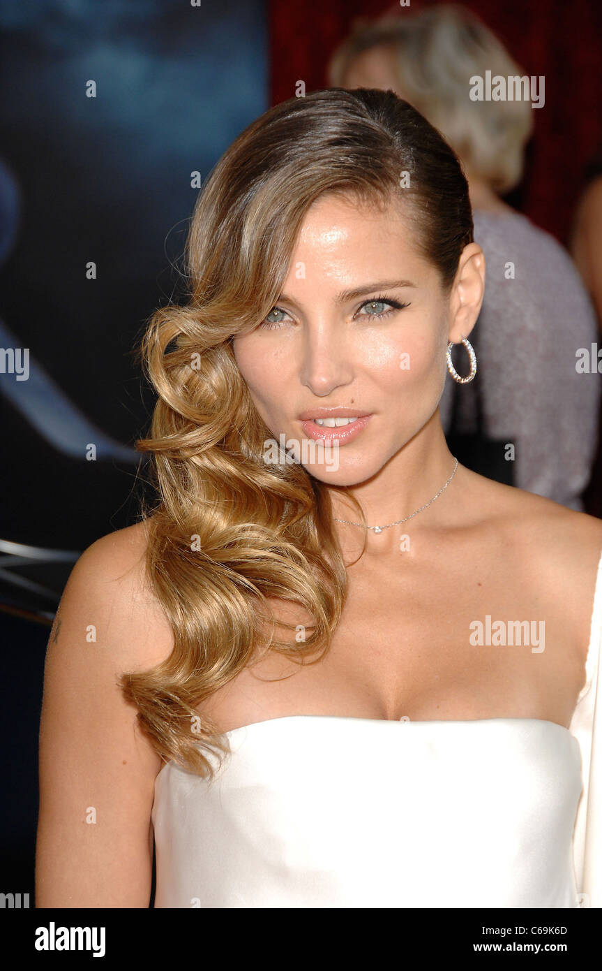 Elsa Pataky at arrivals for THOR Premiere, El Capitan Theatre, Los Angeles, CA May 2, 2011. Photo By: Michael Germana/Everett - Stock Image