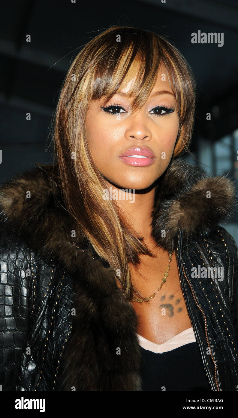 Eve out and about for Mercedes-Benz Fashion Week Candids - FRI, Lincoln Center, New York, NY February 11, 2011. - Stock Image