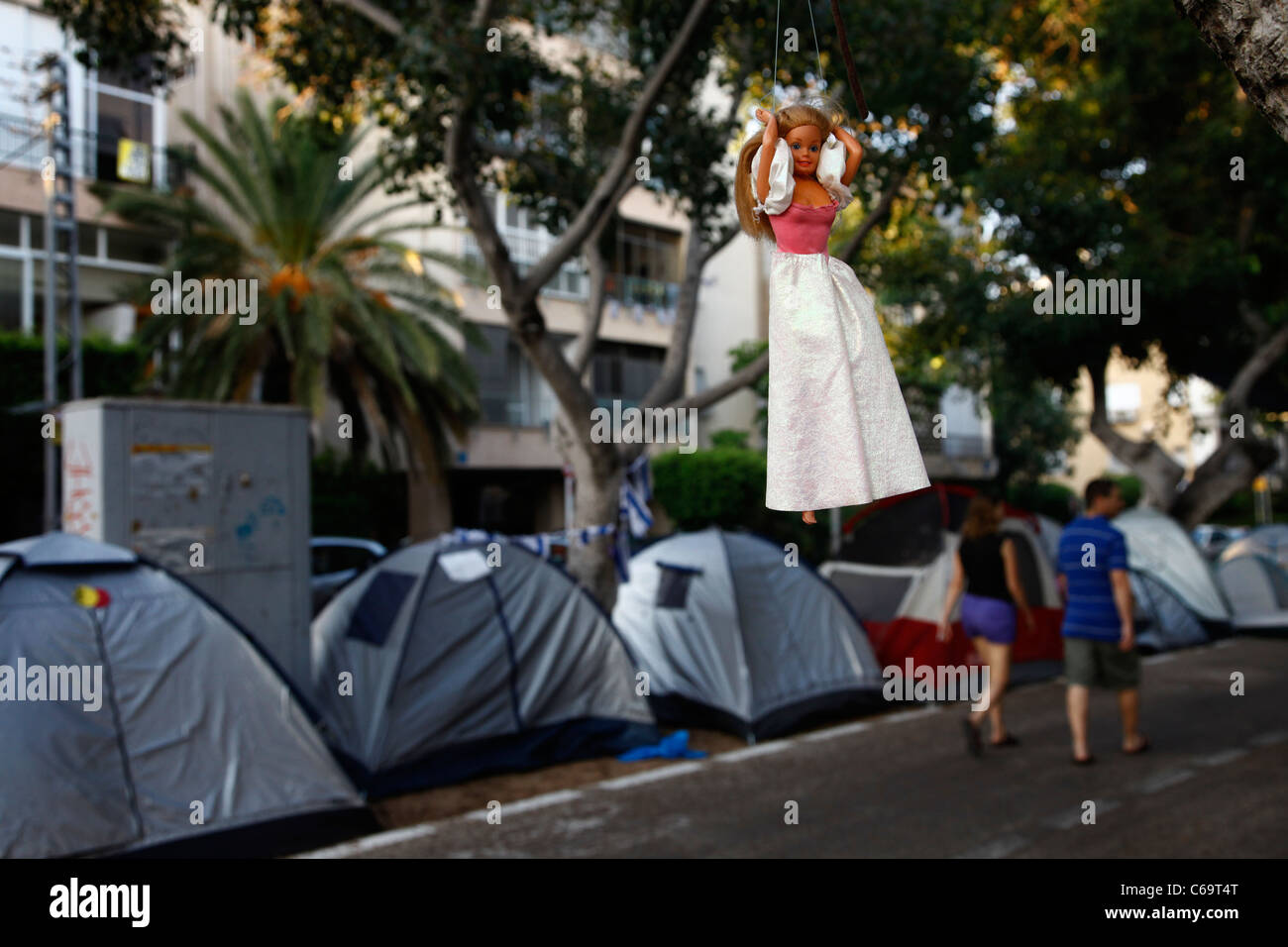 Israelis camping in Nordau avenue in Tel Aviv during a protest against skyrocketing housing prices in Israel. The - Stock Image