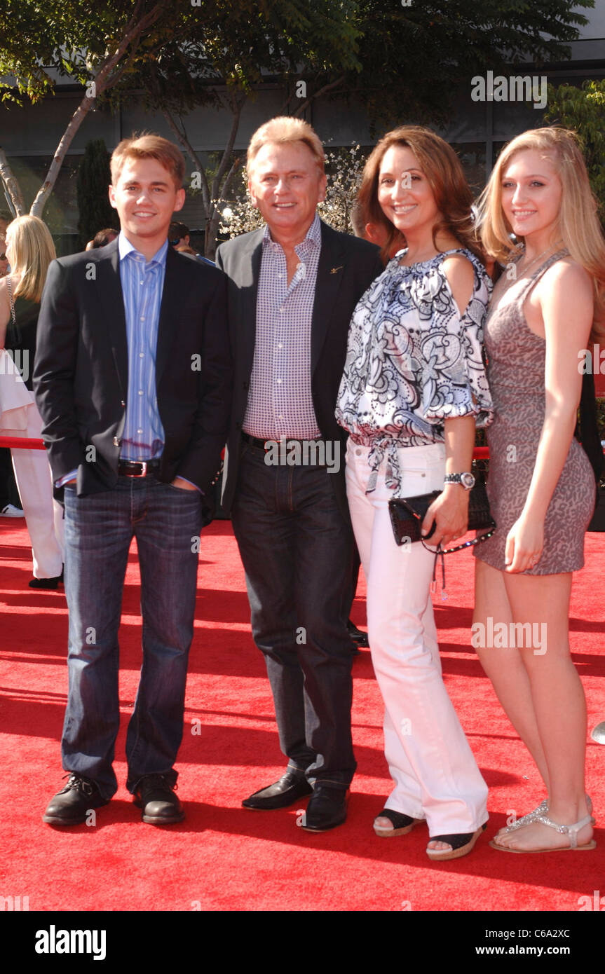 Pat Sajak, family at arrivals for The 2011 ESPY Awards ...