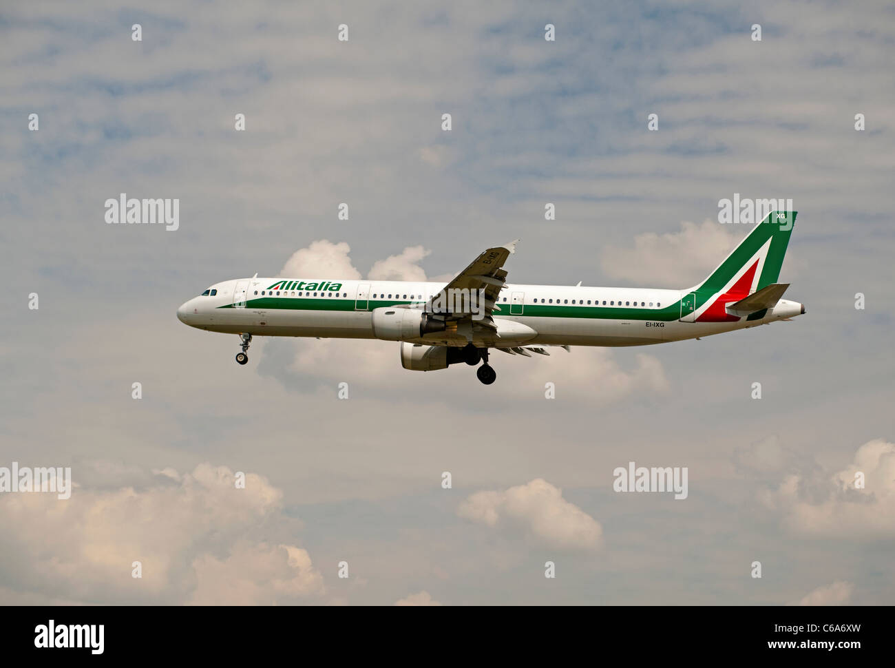 Alitalia A321-112 'Plaza dei Miracoil Pisa' approaching London Heathrow Airport.  SCO 7572 - Stock Image
