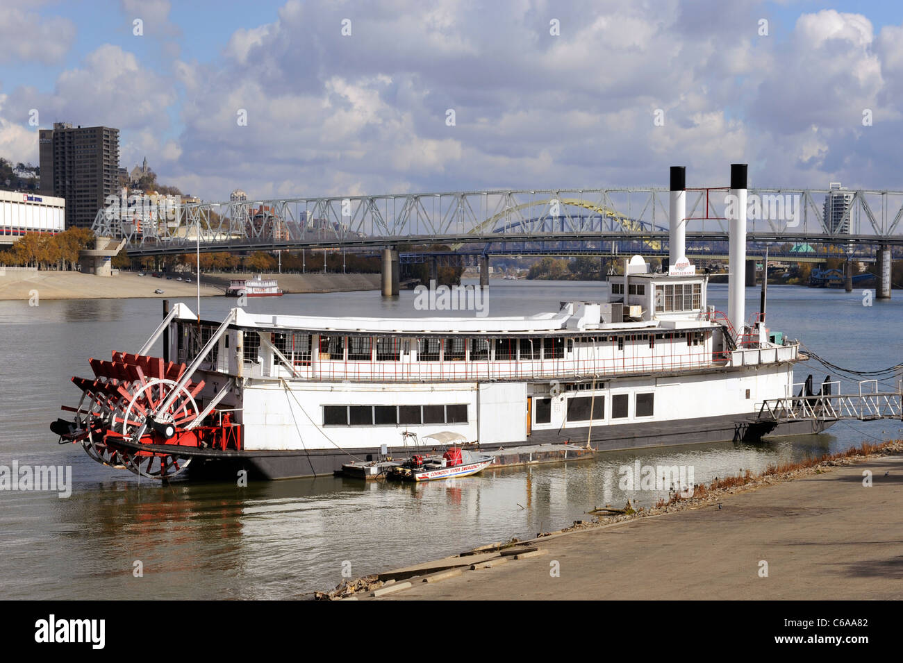 Mike Fink Steamboat Restaurant On The Ohio River At Covington Stock