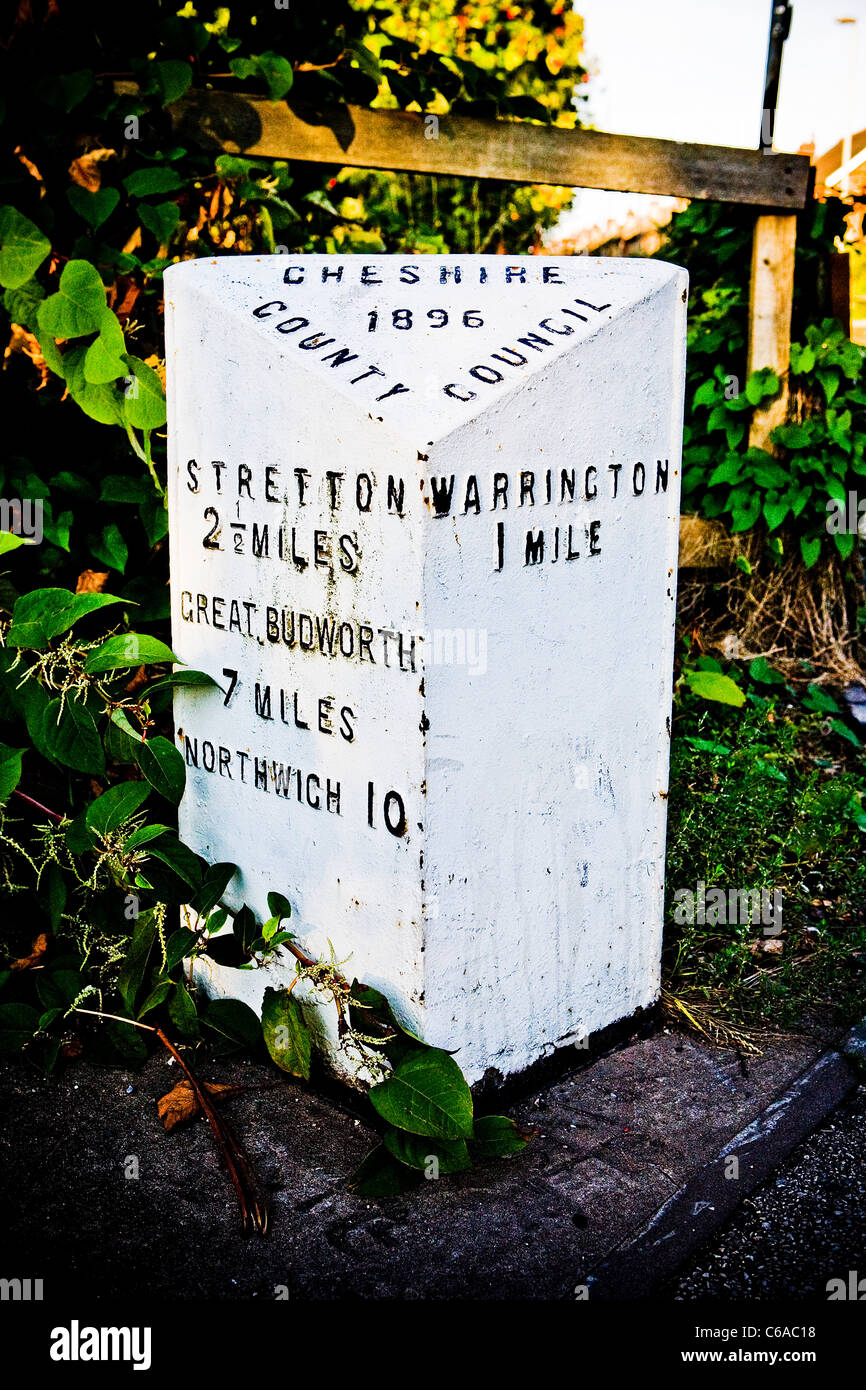 Milestone erected by Cheshire County Council in 1896 at Stockton Heath, 1 mile from Warrington - Stock Image