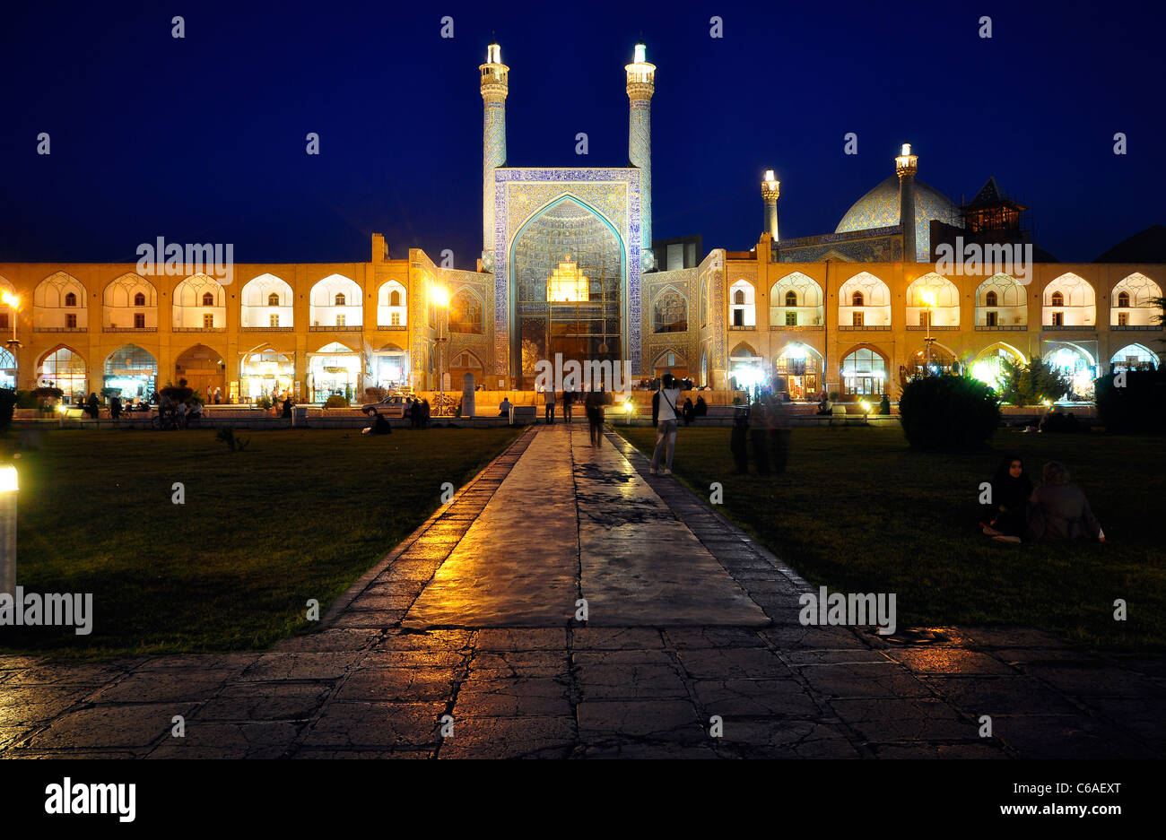 Night shot from Imam Mosque (Shah Mosque) in naghse Jahan Square (Imam Square), Isfaha Iran. - Stock Image