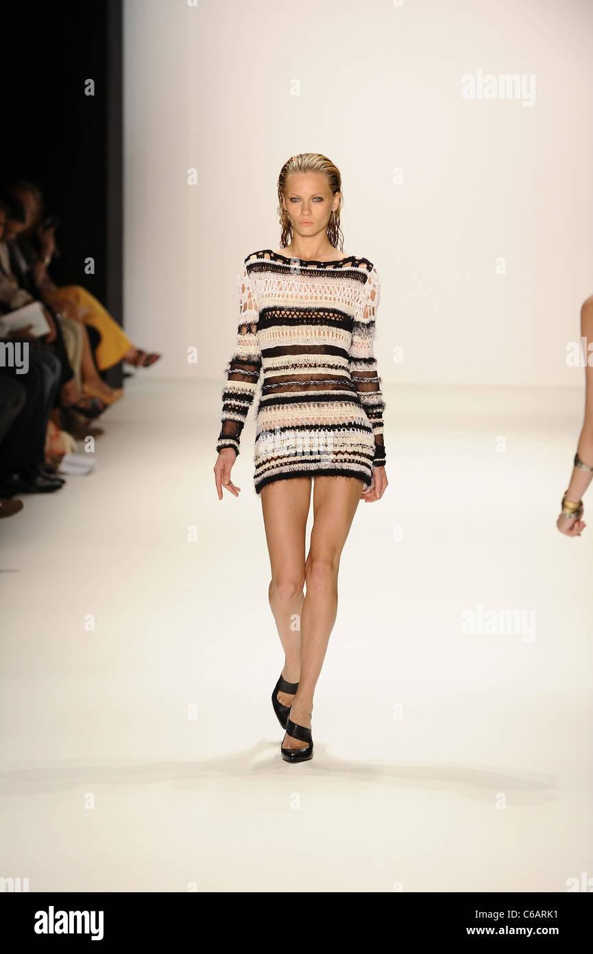 La mercedes benz fashion week 78