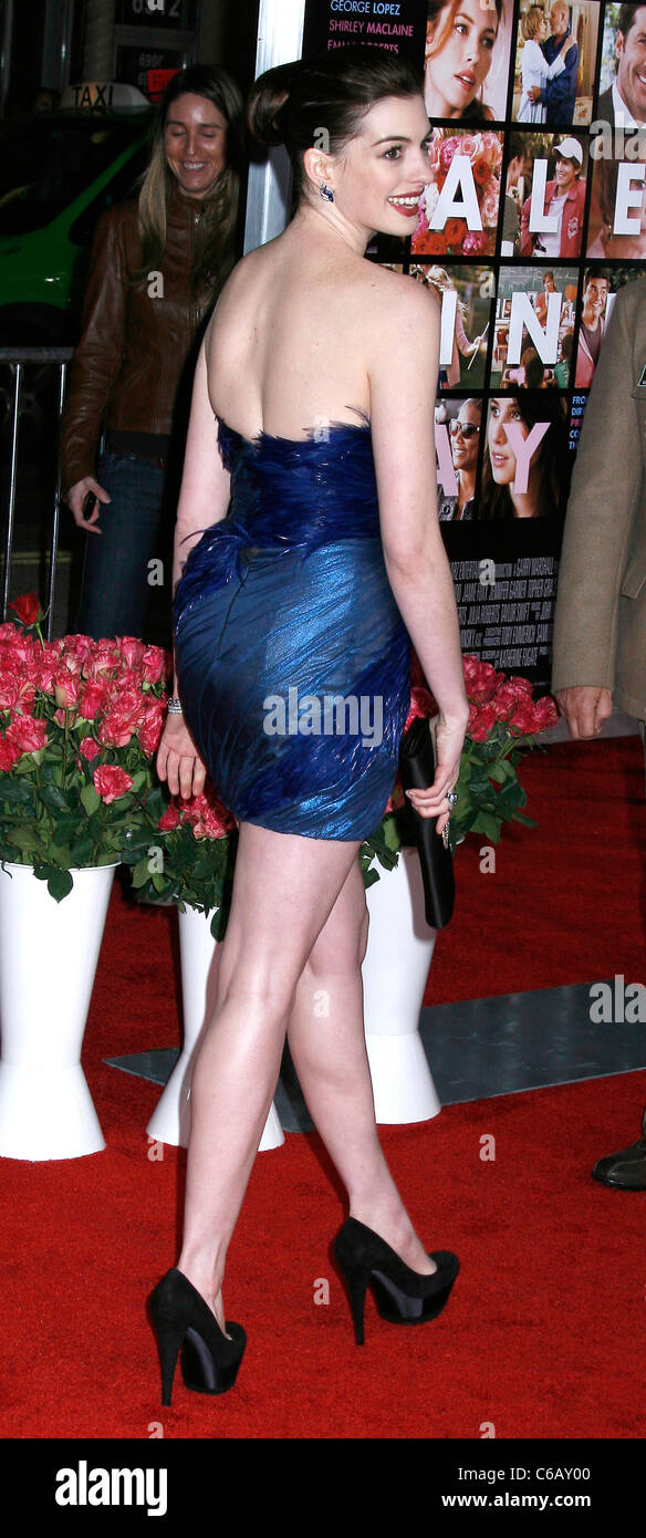 Anne Hathaway Los Angeles World Premiere Of Valentine S Day Held