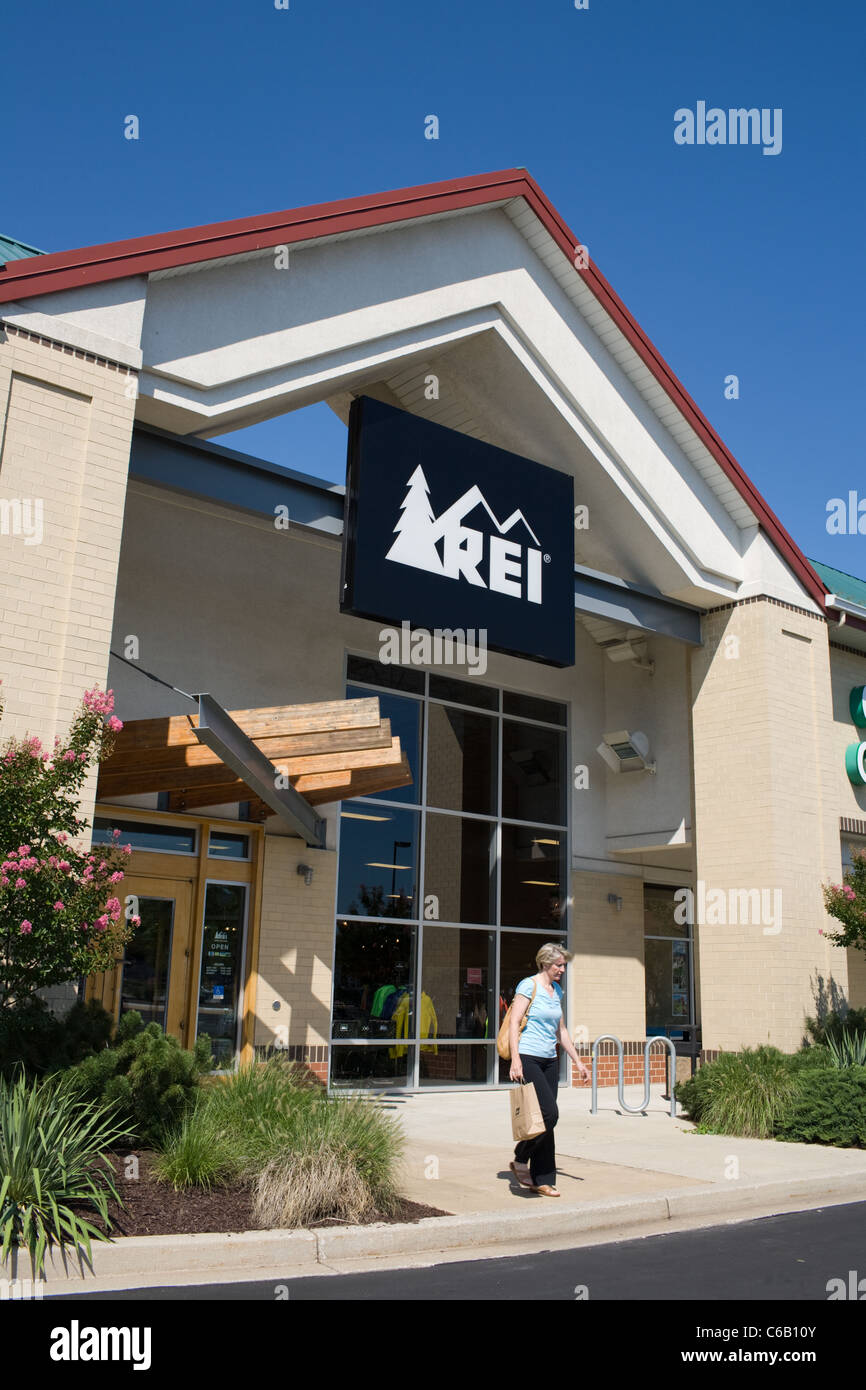 REI is a franchise retail store that sells camping and outdoor supplies - Stock Image