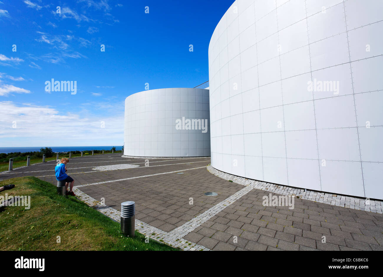 Perlan, the pearl, home of the Saga Museum and hot water storage for Reykjavik, Iceland - Stock Image