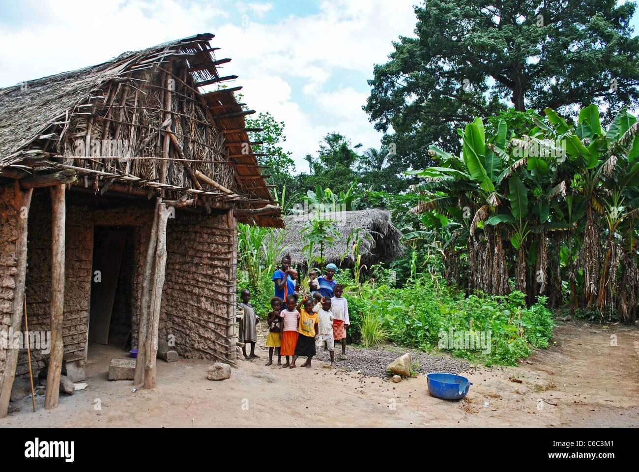 Children in a small village between Kolahun and Bolahun in Lofa County, Liberia - Stock Image