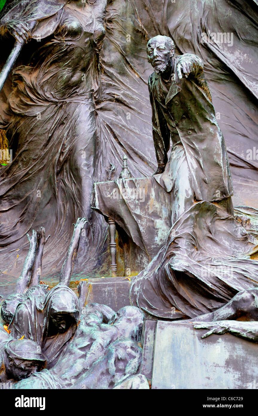 Ghent, Belgium. Citadelpark. Memorial to Edmond van Breveren (1852-94: prominent socialist; founder of Flemish Labour - Stock Image