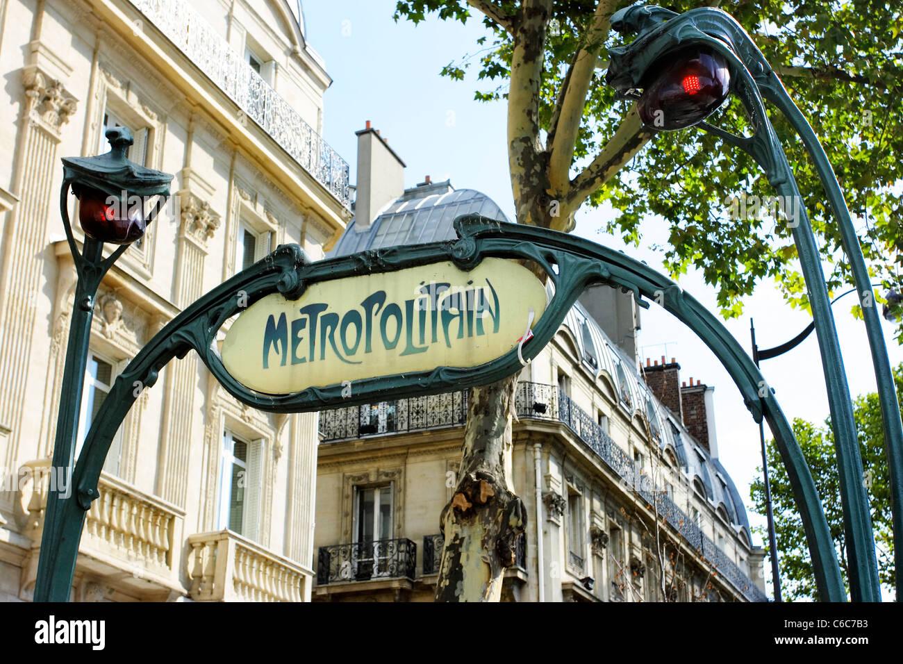 Plaque Metro Parisien Deco art deco transport stock photos & art deco transport stock