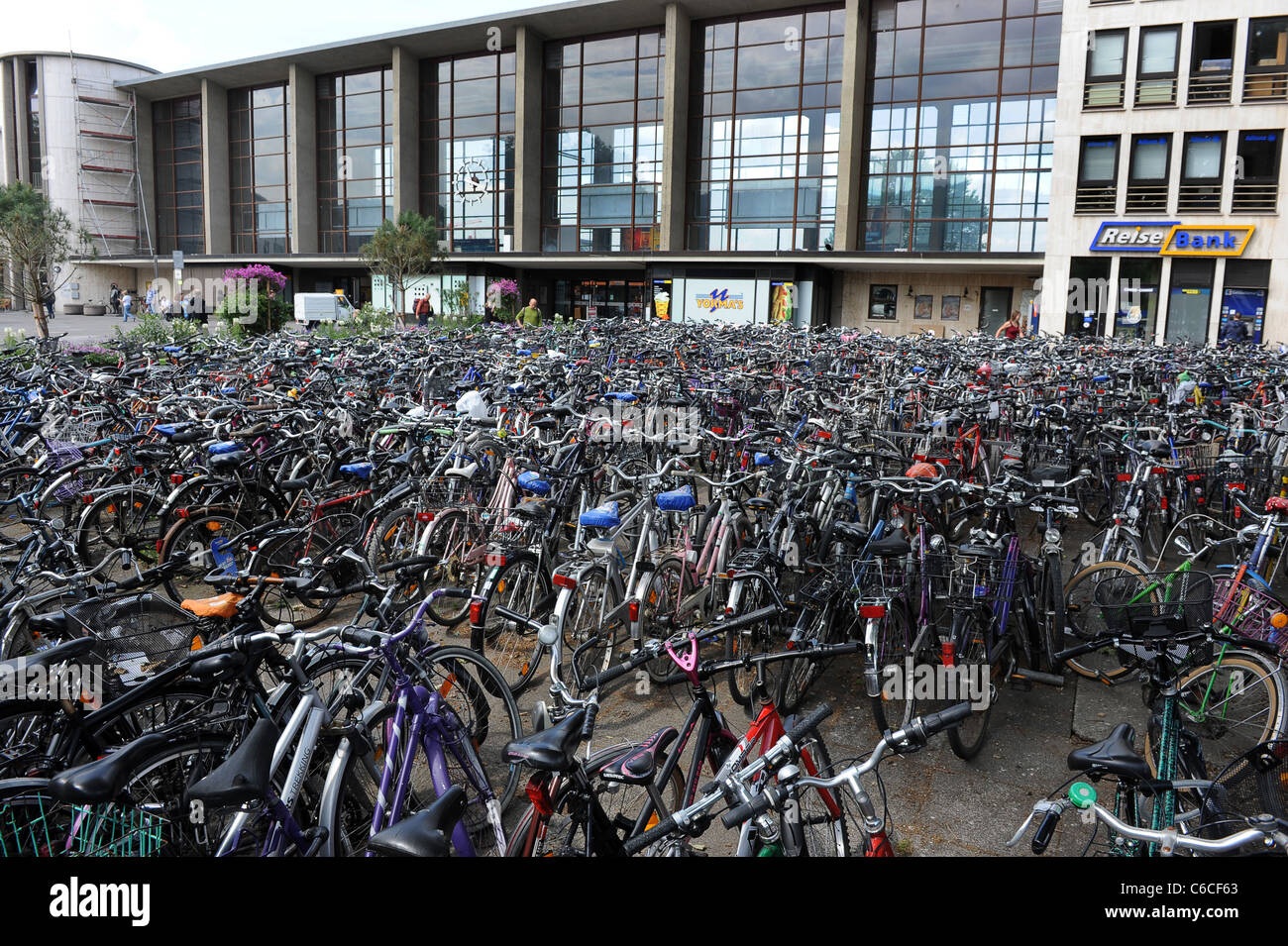 Thousands of Bicycles parked at Heidelberg Railway Station Baden-Württemberg Germany Deutschland - Stock Image