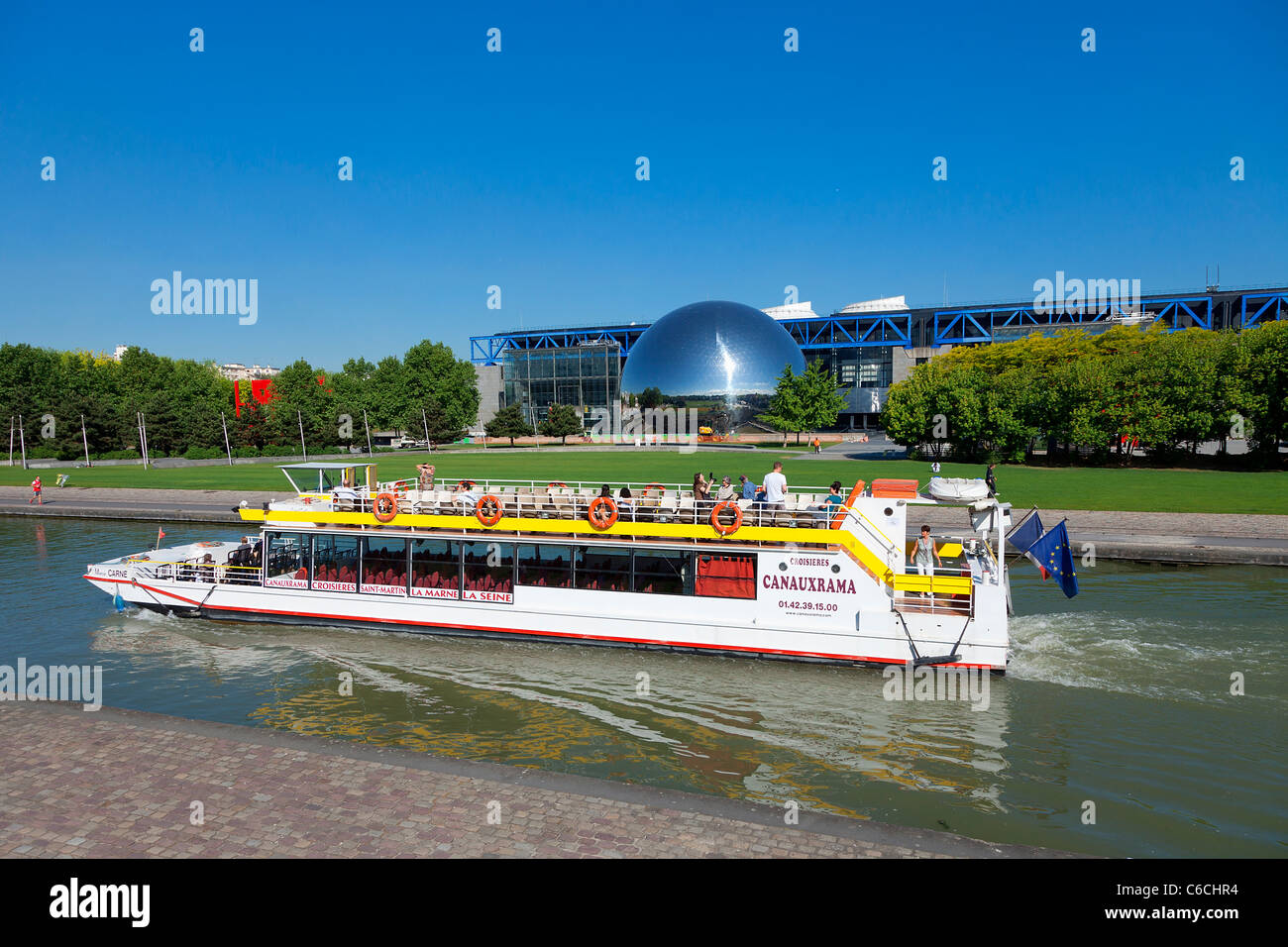 France, Paris, Geode at the city of Sciences and Industry in La Villette Park - Stock Image