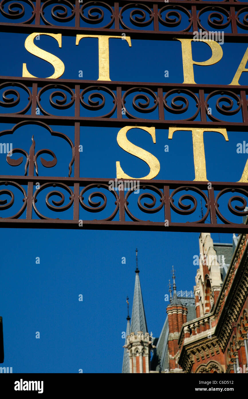 Old gilt entrance to St Pancras Station (and St Pancras Renaissance Hotel), St Pancras, London, UK - Stock Image