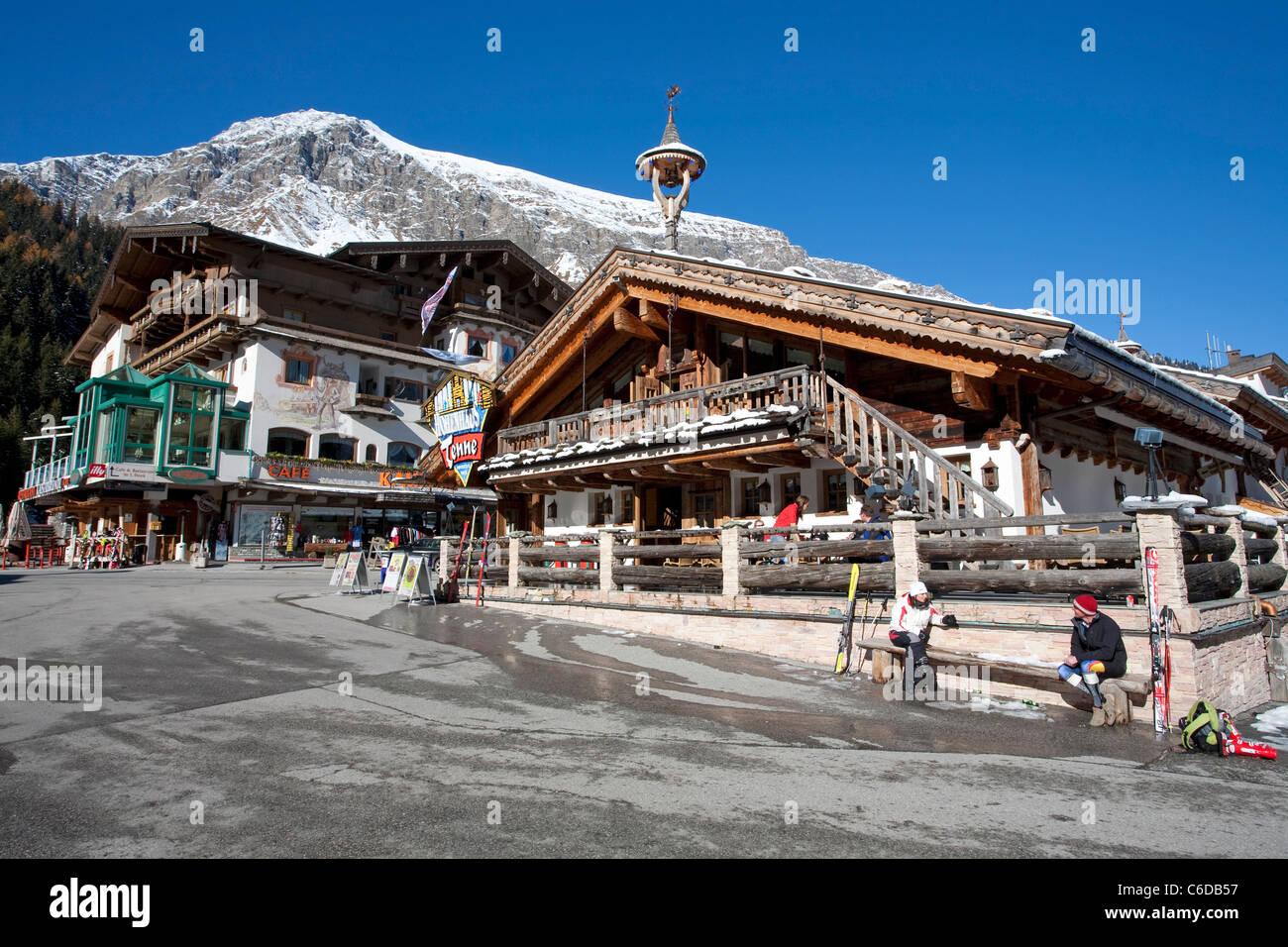 Hotel und Partyhaus in der Talstation, Hintertuxer Gletscher, Hintertux, Tuxertal, Hotel and Partyhouse, Tenne Stock Photo