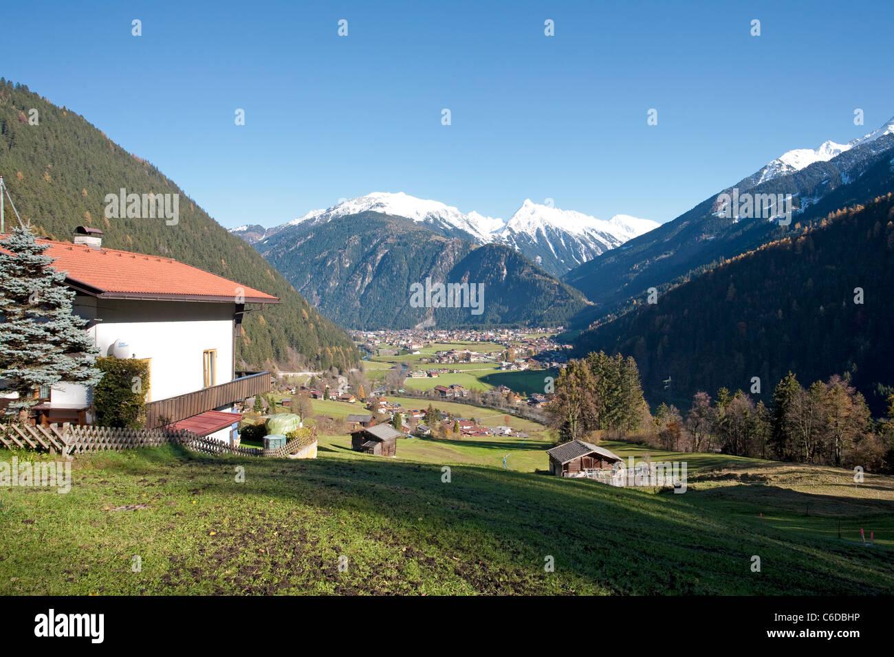 Blick auf Mayrhofen, believer Ferienort und Marktgemeinde im Zillertal, Mayrhofen, famous and popular holiday area - Stock Image