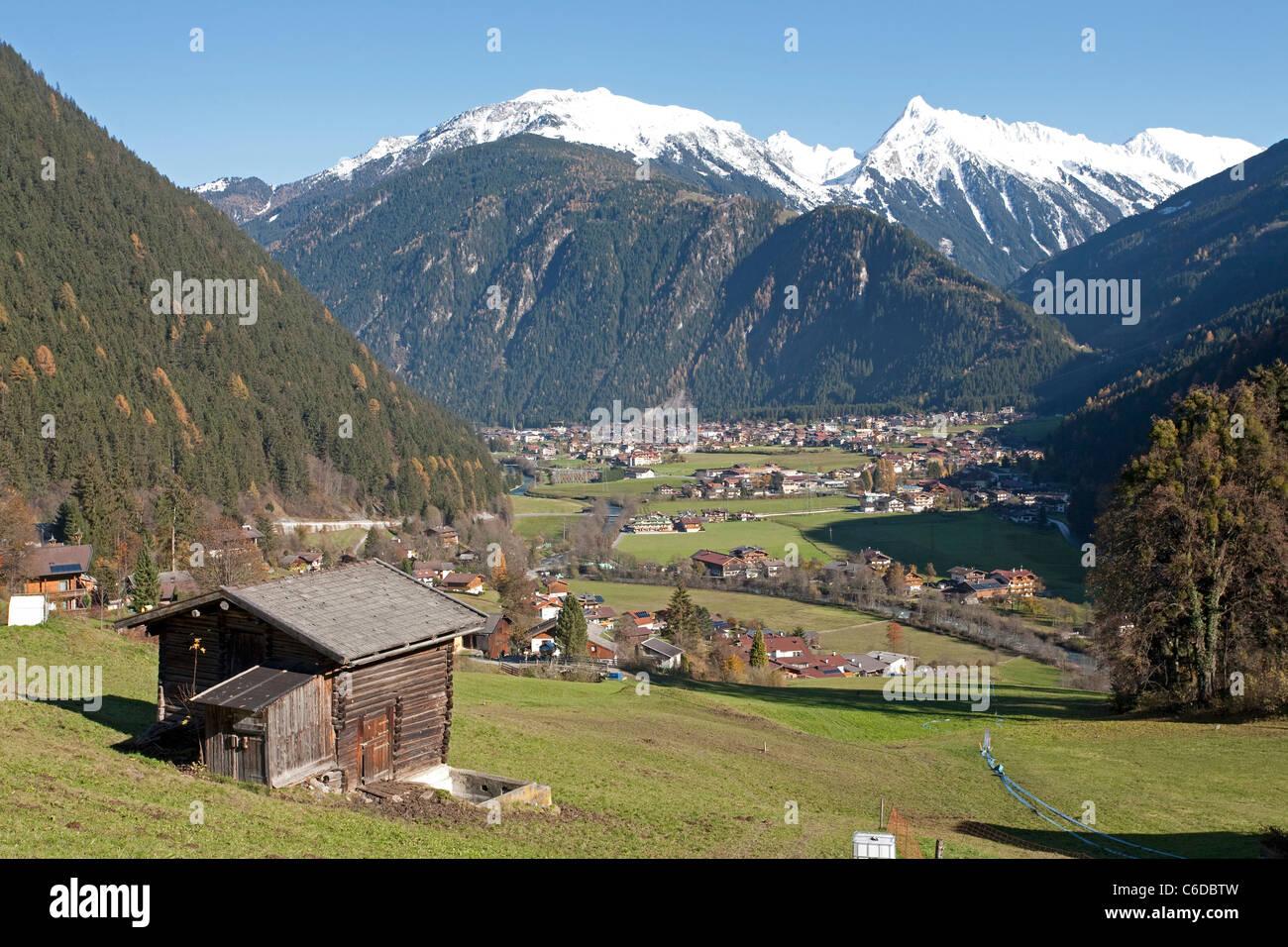 Blick auf Mayrhofen, beliebter Ferienort und Marktgemeinde im Zillertal, Mayrhofen, famous and popular holiday area - Stock Image
