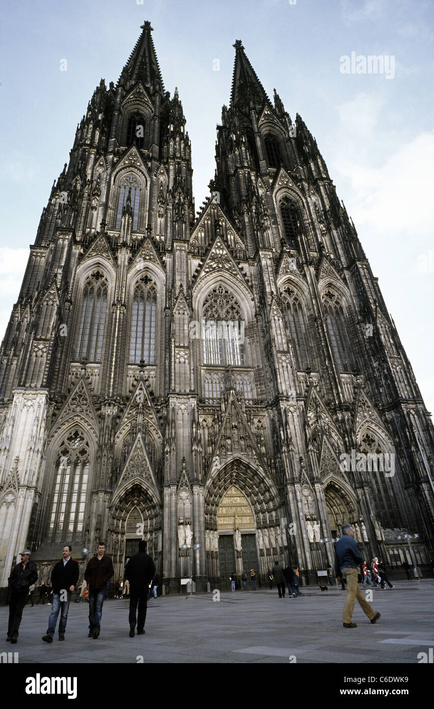 View of the Kölner Dom (Cologne Cathedral) in the German city of Cologne. - Stock Image