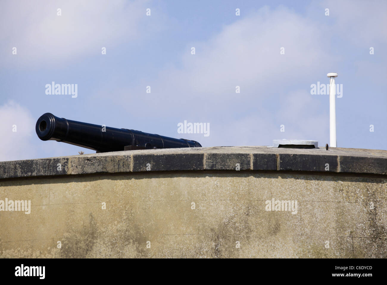 Cannon and flagpole on Martello tower 24 at Dymchurch Kent Stock Photo