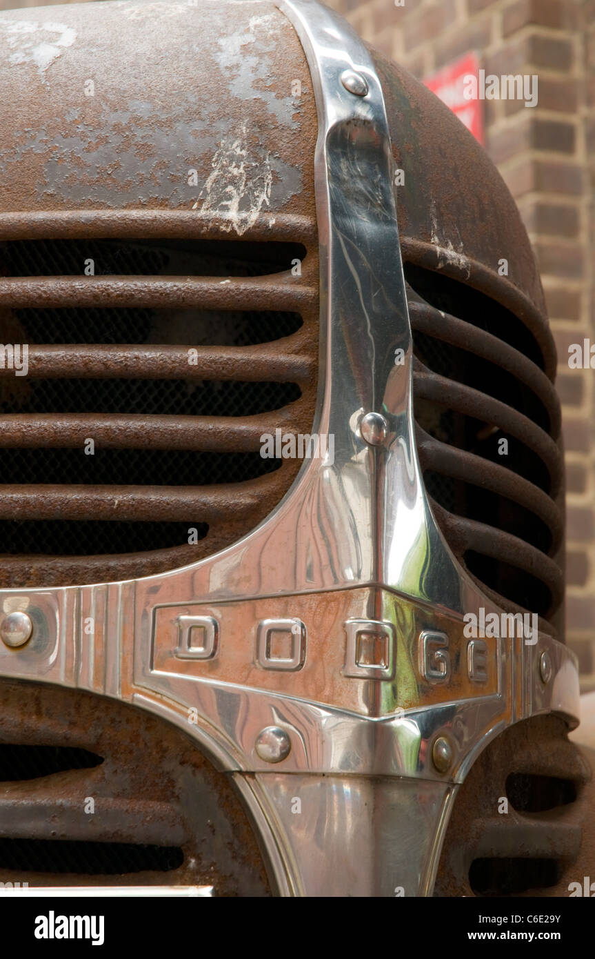 Rusty Dodge truck grill - Stock Image
