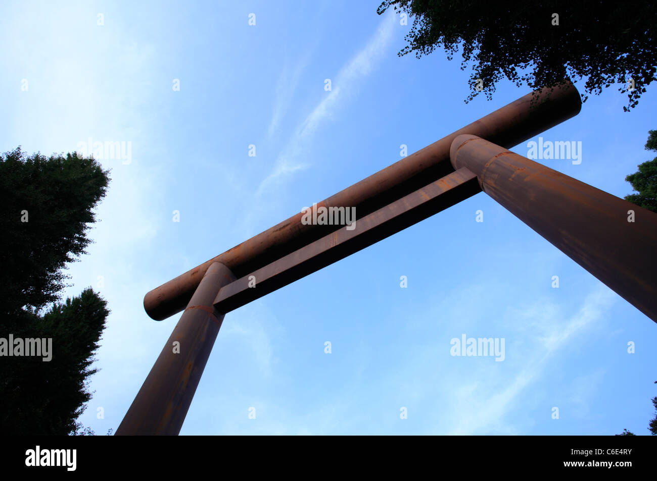 TOKYO - AUGUST 18: Daiichi Torii (first gate) in Yasukuni Shrine on August 18, 2011 in Chiyoda, Tokyo, Japan. - Stock Image