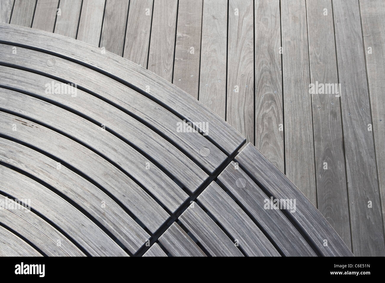 USA, New York State, New York City, wooden park bench - Stock Image