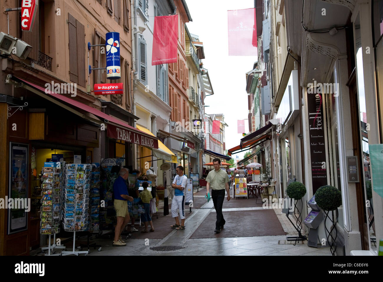 Évian-les-Bains - Rue Nationale Boutiques - Stock Image