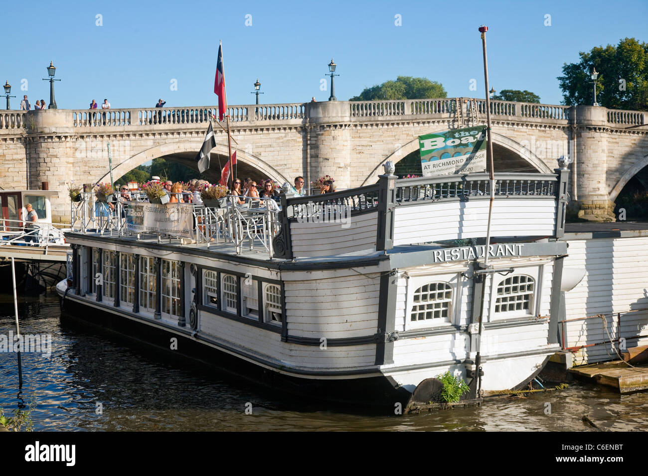 Floating Restaurant at Richmond in Surrey UK - Stock Image