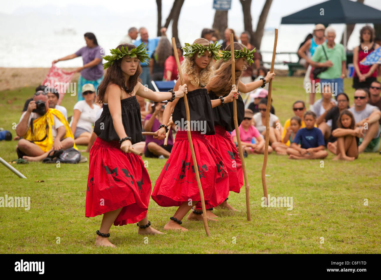 Te Mana o Te Moana 'Spirit of the Sea' 2011 voyage of 7 sailing canoes from the South Pacific. Celebration - Stock Image