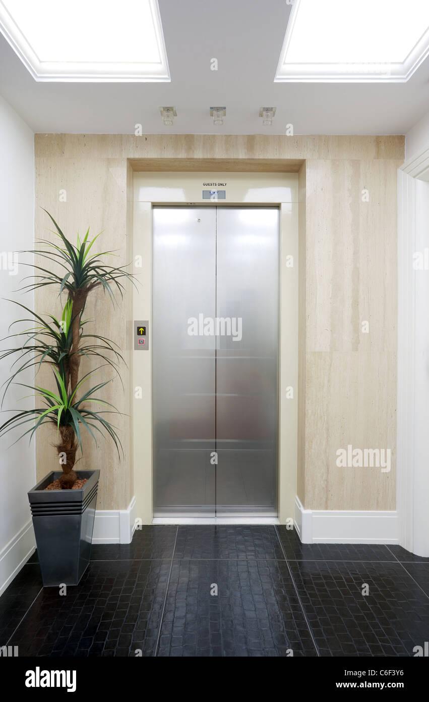 Hotel Elevator Stock Photos Amp Hotel Elevator Stock Images