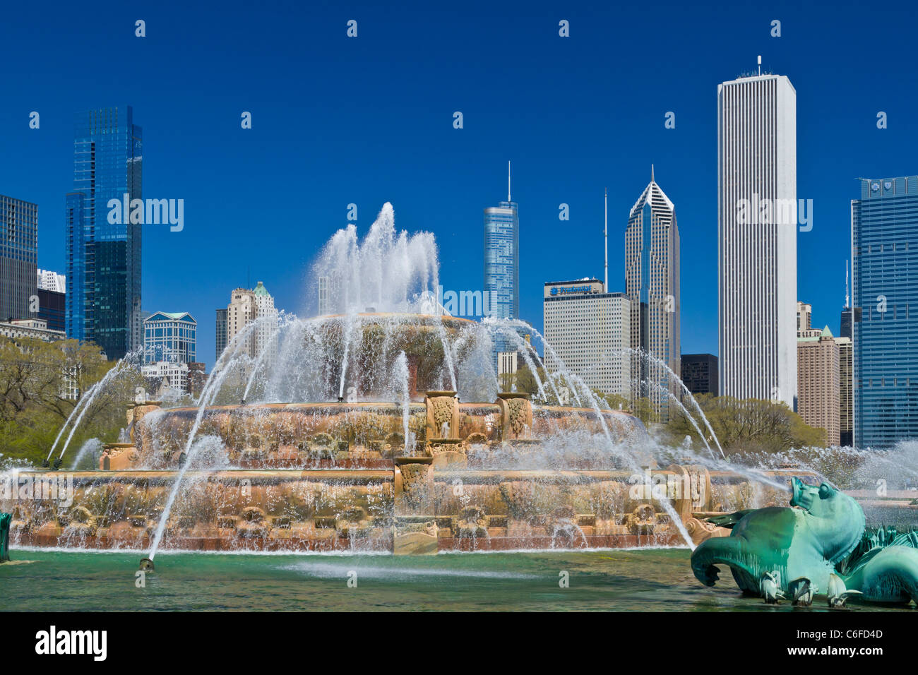 The Clarence Buckingham Memorial Fountain on Lakeshore Dr. in Chicago, Illinois, USA. - Stock Image