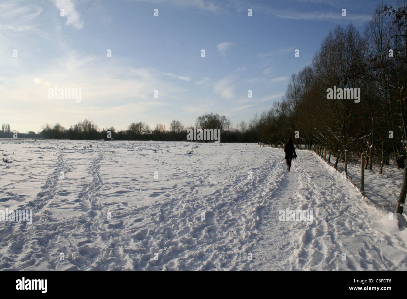 Winter walk in the snow, Witney, Oxfordshire - Stock Image