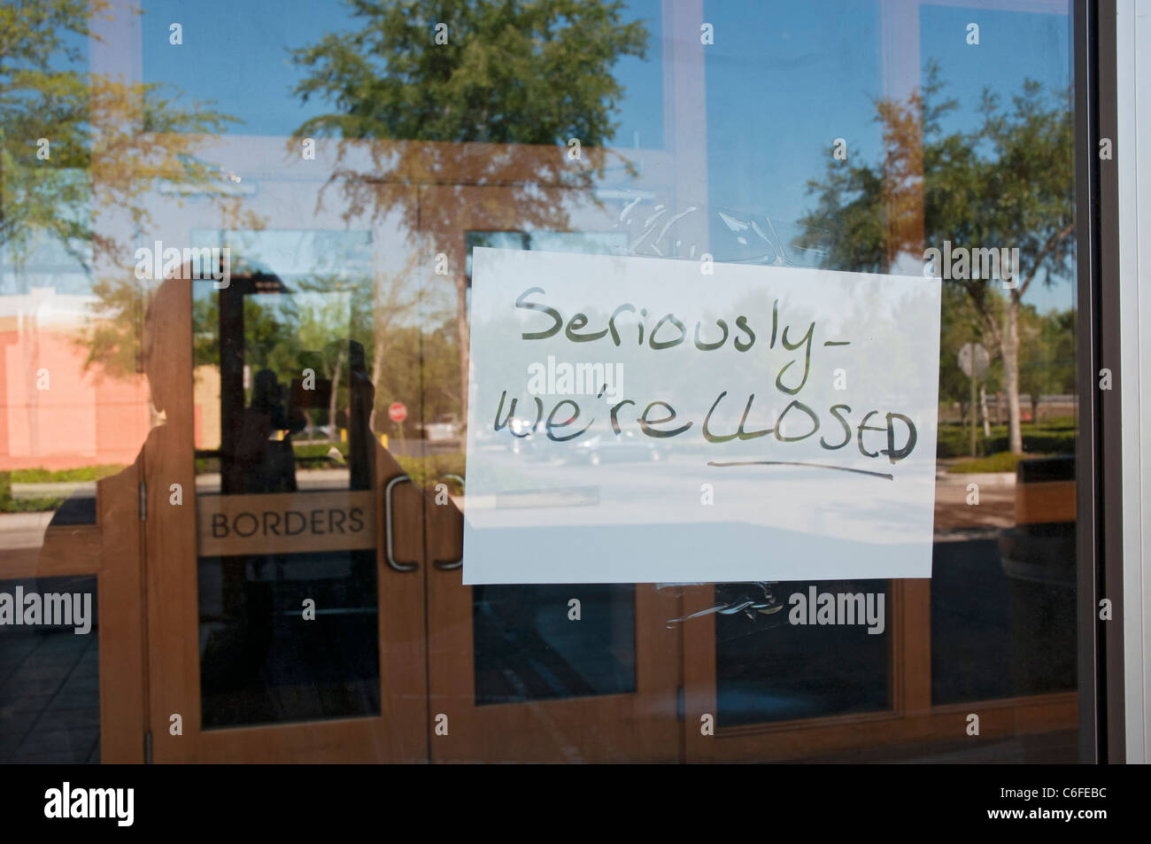 Borders Bookstore closing sign on front door Gainesville Florida & Borders Bookstore closing sign on front door Gainesville Florida ...