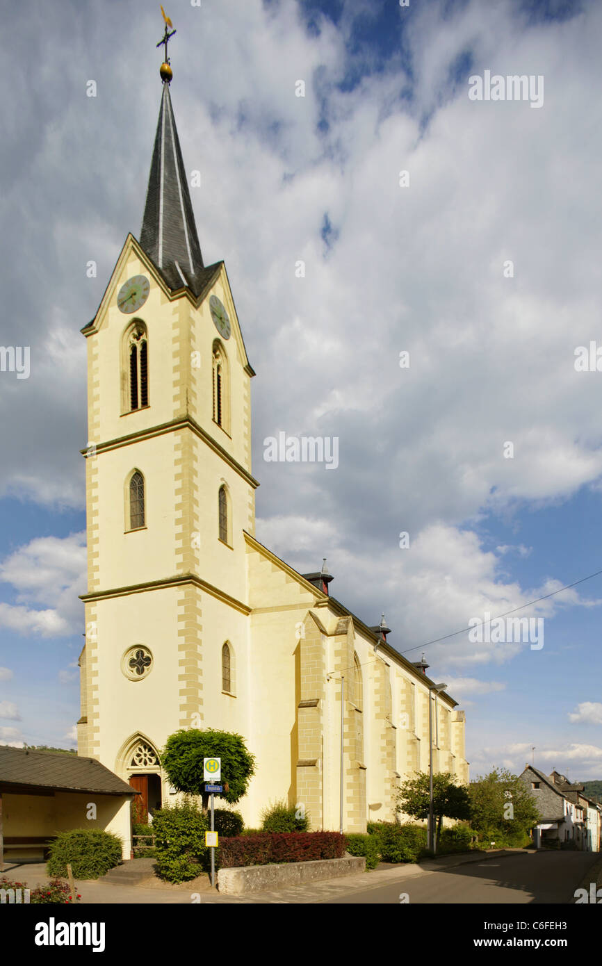 Church in the village of Losnich on the banks of the river Mosel, Rheinland-Pfalz, Germany. Stock Photo